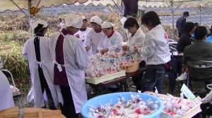 日本赤十字奉仕団によるハイゼックスの振る舞い