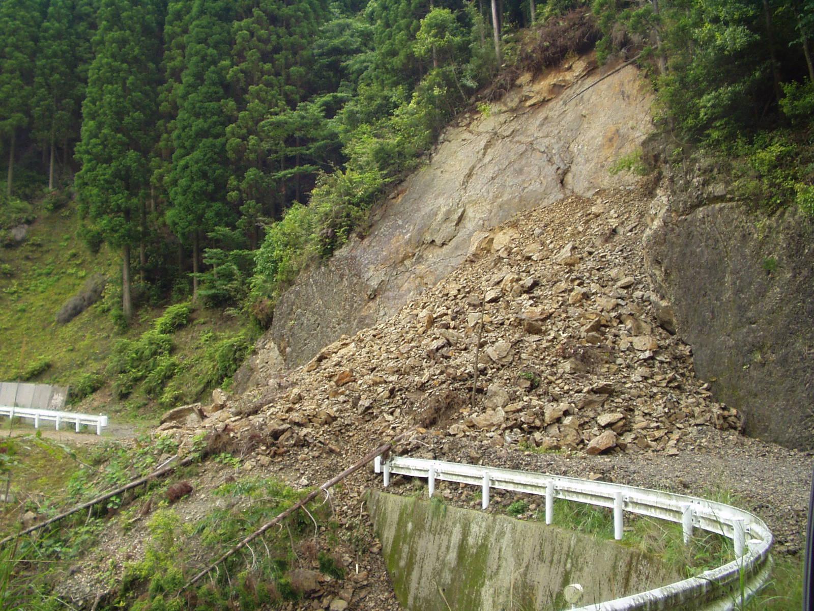 林道の崩壊