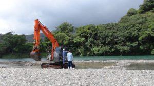 大会前日より隅田組池田様につかみ捕りの池を造成していただきました。ありがとうございました。