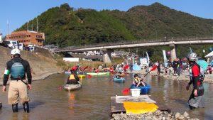 北川流域ネットによる大好評のカヌー体験試乗!