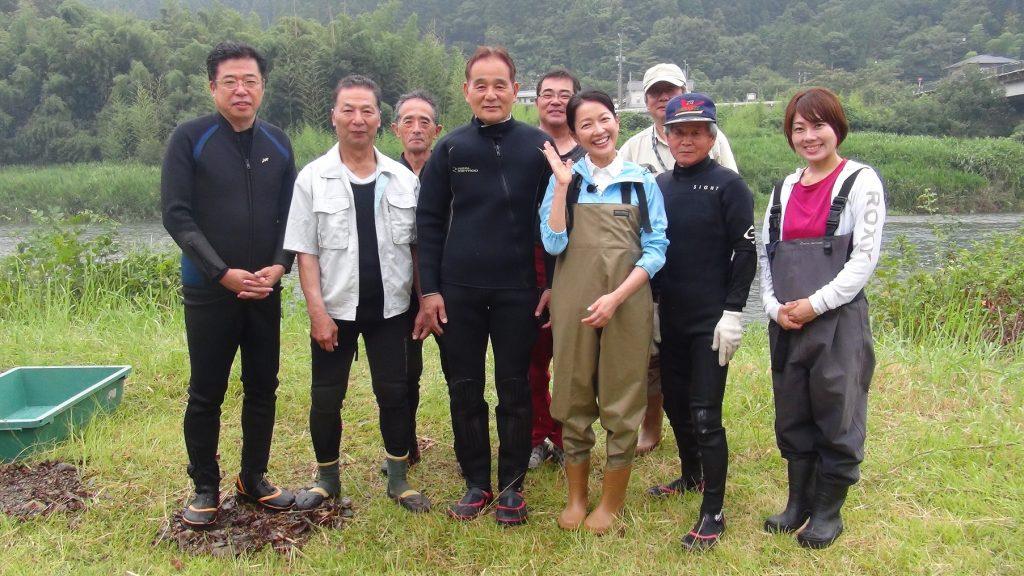 取材で来られていた女優羽田美智子さんも一緒に集合写真