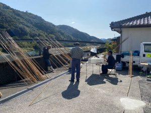 北川漁協の組合員さんが手作り竿の仕掛けを200本作ります。