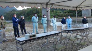 北川で工事をされる業者の方々がボランティアで早朝よりご協力いただきました。ありがとうございました。